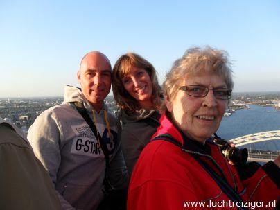 Ballonvaart van Rotterdam naar de Vlist. Het uitzicht over de havens, de kustlijn van Hoek van Holland en Capelle aan de Ijssel en Krimpen aan IJssel is fantastisch.