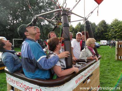 Klaar vioor vertrek met Luchtballon in Gouwebos te Waddinxveen