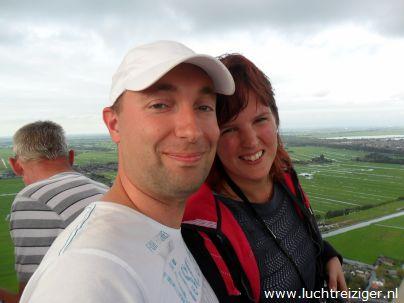 Uitzicht vanuit luchtballon over Gouda en Reeuwijkse plassen.
