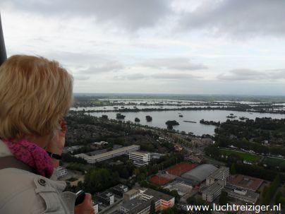 Uitzicht over reeuwijkse plassen vanuit luchtballon