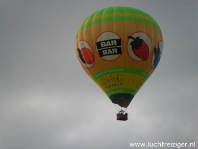 Collega ballonvaarder boven Gouda