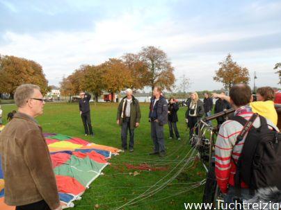 Veel belangstelling in Gorinchem voor ballonvaart richting Schoonhoven