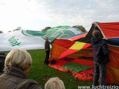 De ballon is bijna klaar in Gorinchem. De ballonvaart gaat naar Lexmond