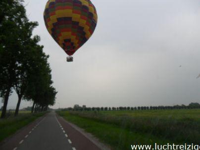 Ballonvaart met de Luchtreiziger Ballonvaarten vanaf Woerden over Kockengen naar Nieuw ter Aa. Mooi rustig weer maakt ballonvaren prachtig. Allemaal tevreden passagiers aan boord.