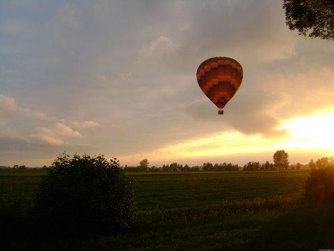 luchtballon tijdens ballonvaart boven Groene Hart