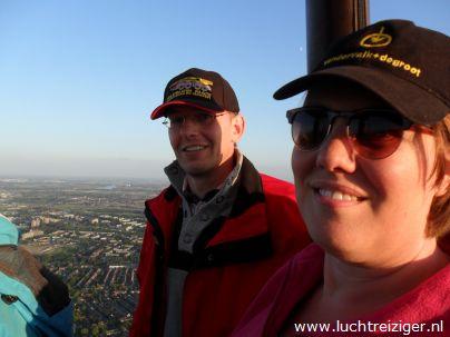 Het uitzicht boven Rotterdam is geweldig. Rotterdam is een echte wereldstad met hoge gebouwen en een impossante haven. We zien natuurlijk ook de kustlijn bij Hoek van Holland als we een ballonvaart maken boven Rotterdam.