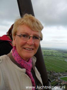 Uitzicht over Gouda en Reeuwijkse plassen vanuit luchtballon