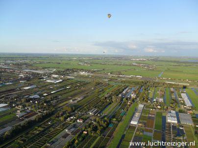 Boskoop vanuit de luchtballon tijdens ballonvaart