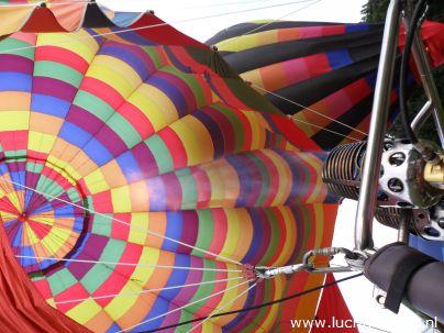 Ballonvaarten vanaf Vondelpark Papendrecht. Uitzicht over de Lek, Groene Hart, Zuid-Holland
