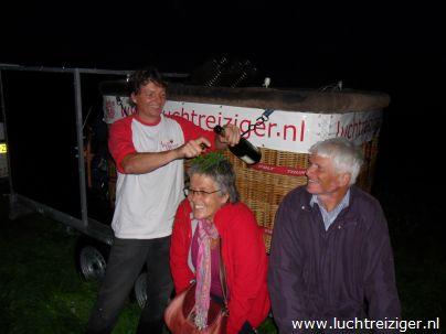 Luchtdoop na ballonvaart in Bergambacht