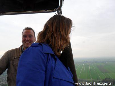 Uitzicht over Bleskensgraaf vanuit luchtballon welke opsteeg vanuit Papendrecht en landde in Hoornaar