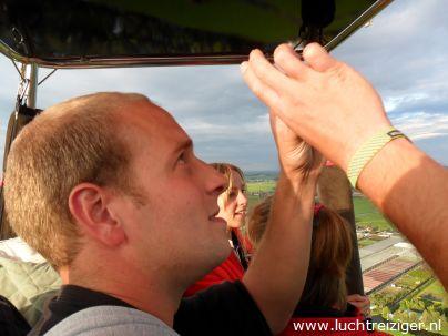 De vlammen boven Gouda. Ballonvaart van Waddinxveen naar Cabauw.