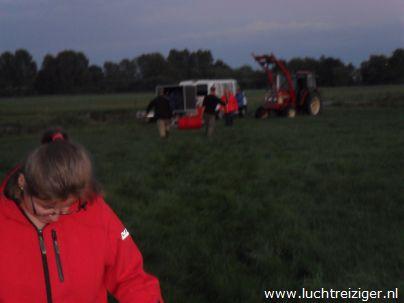 Geland met de luchtballon in Cabauw, nabij Lopik en Schoonhoven