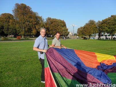 Deze ballonvaart  voer vanaf Gorinchem (recreatiegebied Buiten de Waterpoort) naar het nabijgelegen Giessenburg. Vanuit de ballon wan Hardinxveld-Giessendam, Papenfrecht, Ridderkerk, de Biesbosch, Dordrecht, Rotterdam, Zwijndrecht, Hendrik Ido Ambacht en Capelle aan den IJssel over de Alblasserwaard goed te zien. het zicht was uitstekend tijdens de ballonvaart en na het ballonvaren volgde de champagnedoop. De Geschiedenis van de ballonvaart werd verteld.