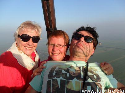 Deze Ballonvaart voer van Oudewater, de Zuiverboerderij, naar Polsbroekerdam. Ballonvaren in het Groene Hart van Zuid-Holland, is een ware belevenis. We zien vanuit de lucht Gouda, Montfoort, Linschoten, Lopikerwaard, Utrecht, woerden, nieuwenbrug, Bodegraven en nog veel meer. De ballonvaart wordt afgesloten met een traditionele champagnedoop in het weiland van de landeigenaar.