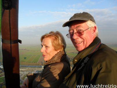 Genieten van het prachtige uitzicht over de Alblasserwaard. Ballonvaart van gorinchem naar Lexmond