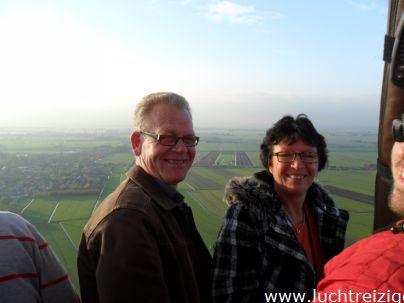Uitzicht over de Alblasserwaard vanuit een hete luchtballon