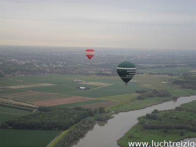 Ballonvaart van Dordrecht, over het Hollands Diep naar Langeweg. Prachtig weer, mooie ballonvaart. Zowel Zuid-Holland als een stukje Brabant gezien.