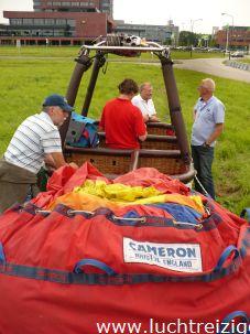 Prachtige ballonvaart vanuit Dordrecht over de moerdijk en de moerdijkbrug naar Brabant, Oudenbosch. Passagiers hebben genoten van deze ballonvaart en zijn uiteindelijk in de adelstand verheven.