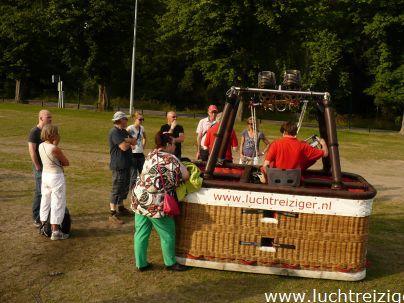 Alweer een fantastische ballonvaart van Woerden naar Bergambacht en Lekkerkerk. Wat is het ballonvaren toch leuk! Alle passagiers zijn wederom in de adelstand verheven. Mooi Zuid-Holland!